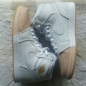 Women's Air Jordan Retro 1 high premium